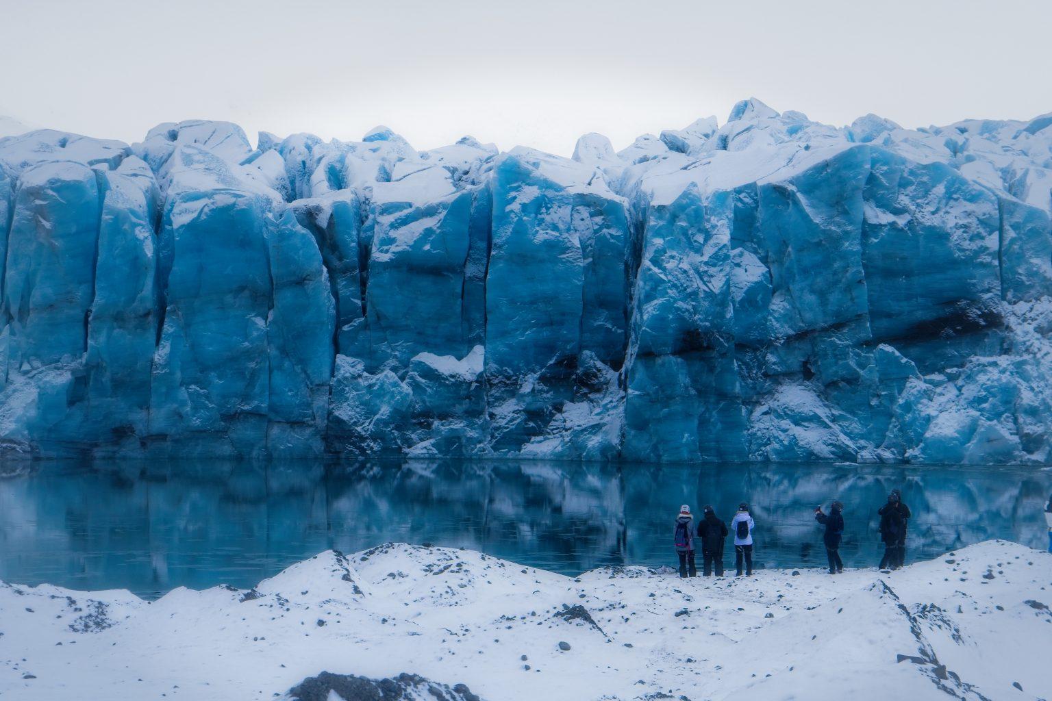 Blue Iceland ice cave tour by Jökulsárlón (Glacier Lagoon).