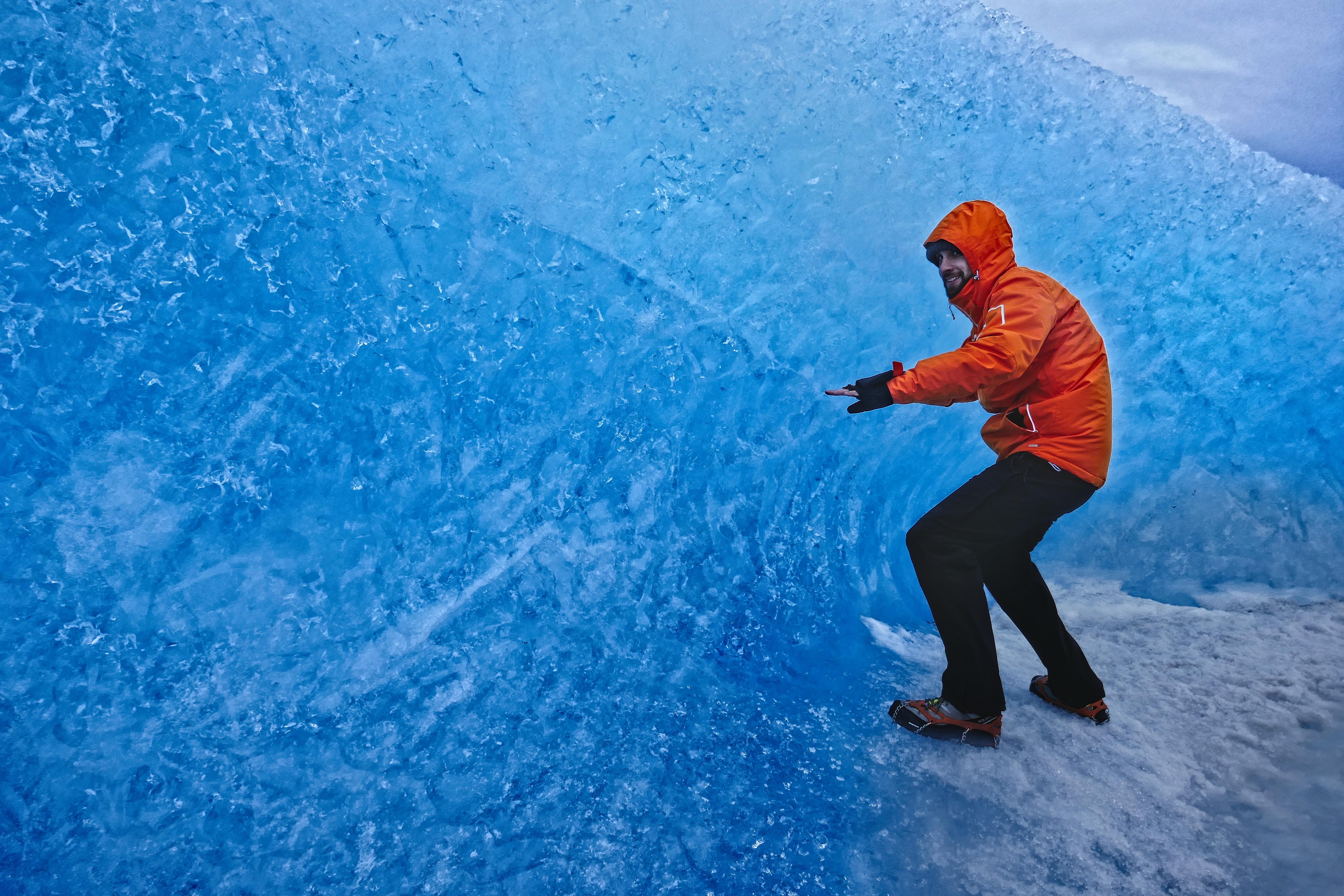Blue ice wave - Vatnajökull, Iceland - Blue Iceland glacier tours
