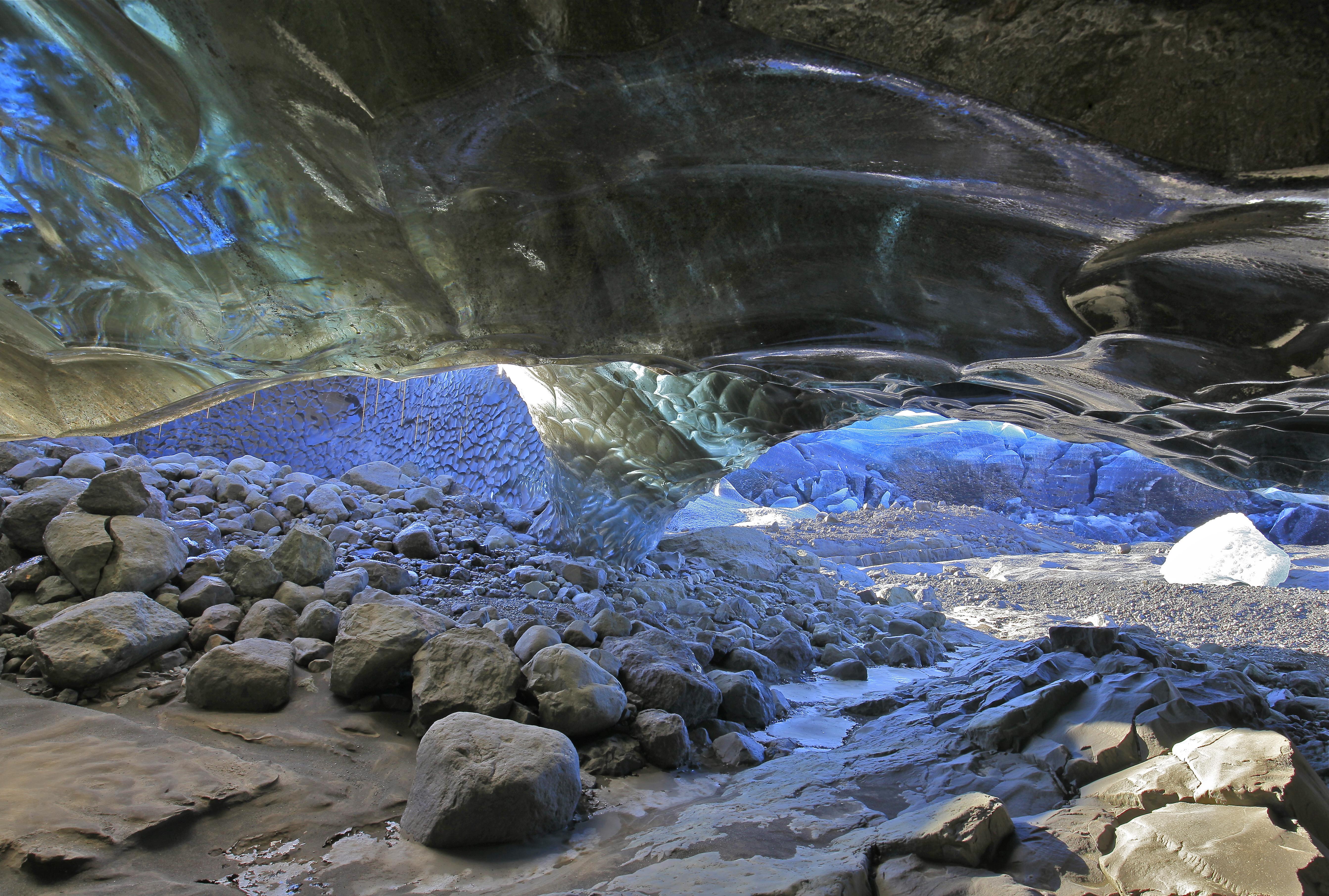 Ice Cave - Blue Iceland glacier tour